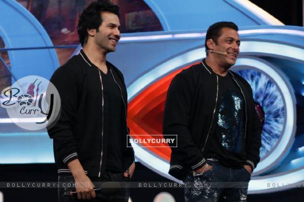 Weekend ka Vaar: Varun Dhawan and Salman Khan on the BB12 Stage