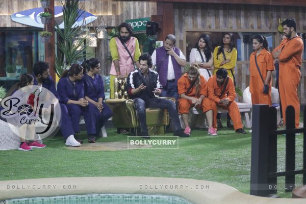 Weekend ka Vaar: Varun Dhawan in the Bigg boss 12 house with the contestants