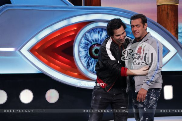 Weekend ka Vaar: Varun Dhwana Hugs Salman Khan on the BB 12 Stage