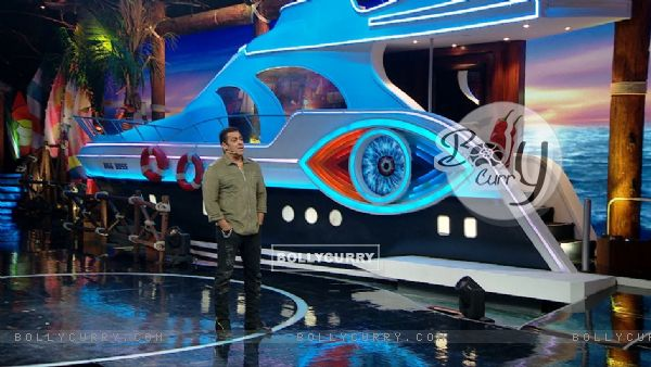 BB12 Day 6: Salman Khan in weekend ka Vaar