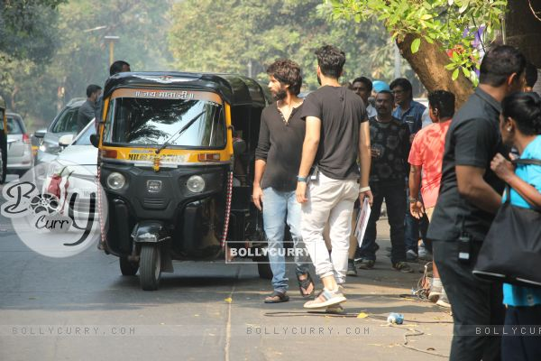 Shahid Kapoor spotted on the streets of Bandra