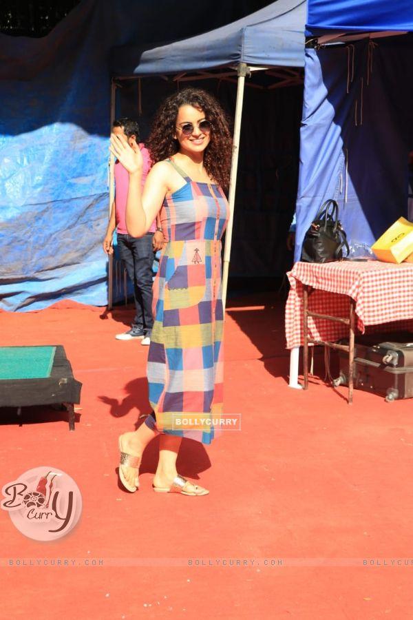 Kangana Ranaut snapped with Anita Dongre!
