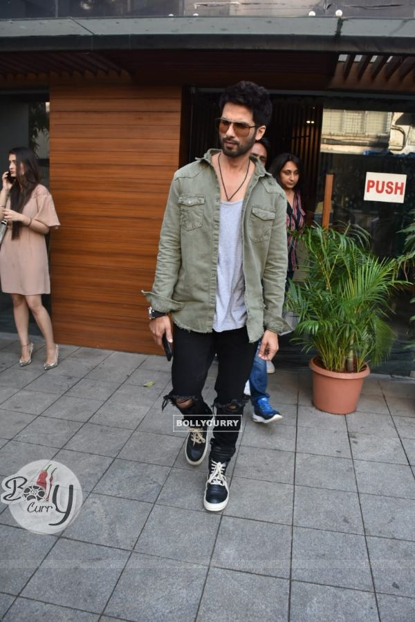 Shahid Kapoor snapped after a photo-shoot in Bandra
