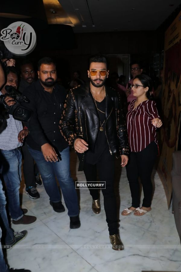 Ranveer Singh spotted around the town for the promotion of Simmba (442580)