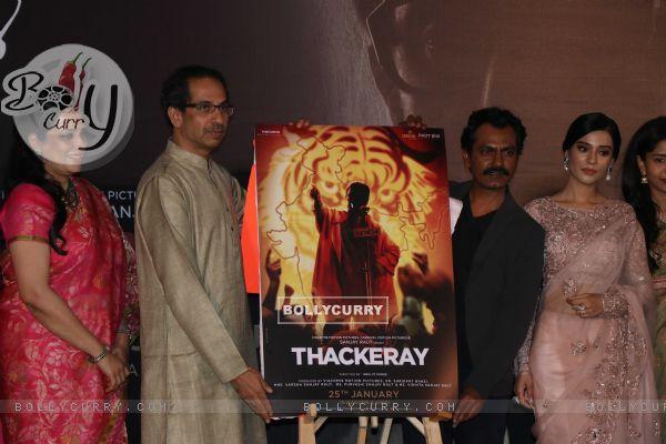 Nawazuddin Siddiqui with Amrita Rao and Uddhav Thackeray at Thackeray movie trailer launch
