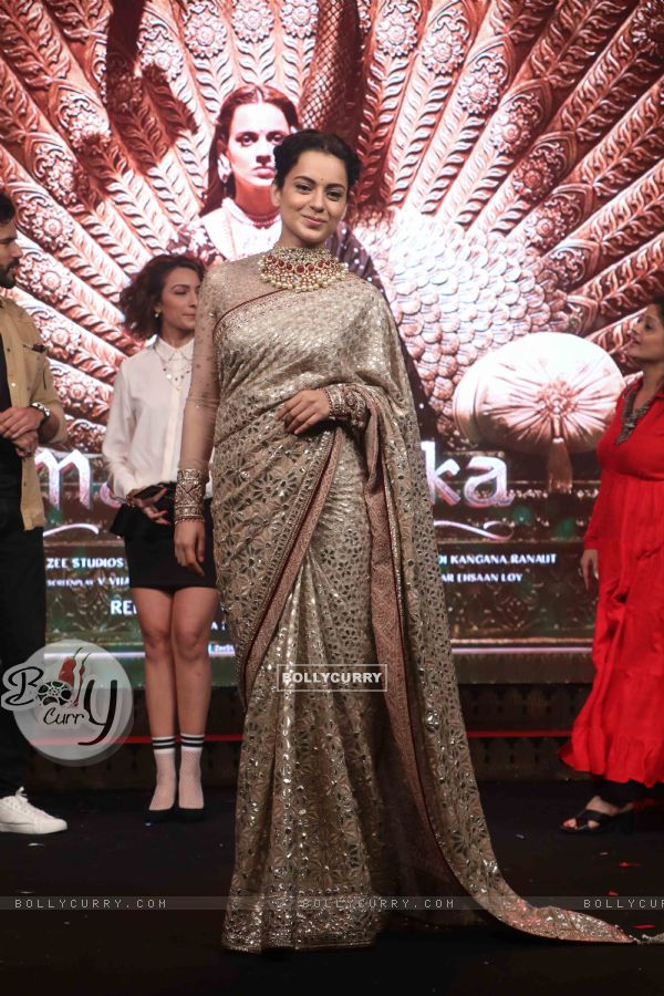 Kangana Ranaut spotted at Manikarnika music launch (443074)