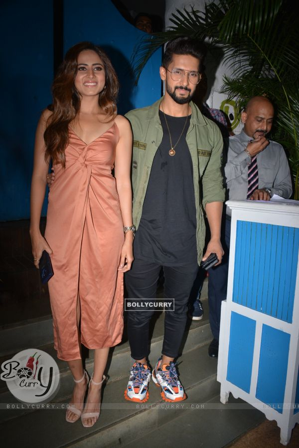 Ravi Dubey and Sargun Mehta celebrate URI's success (443354)
