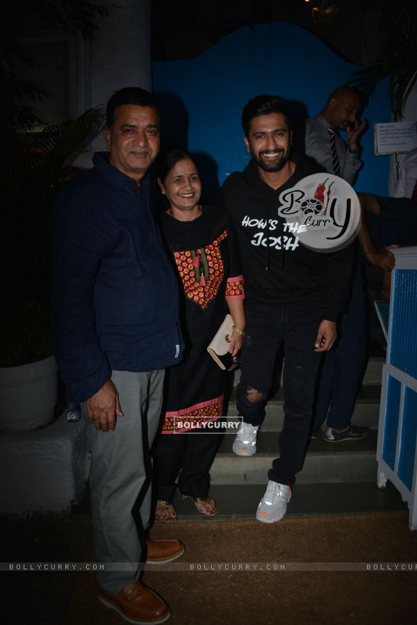 Vicky Kaushal celebrate URI's success (443359)