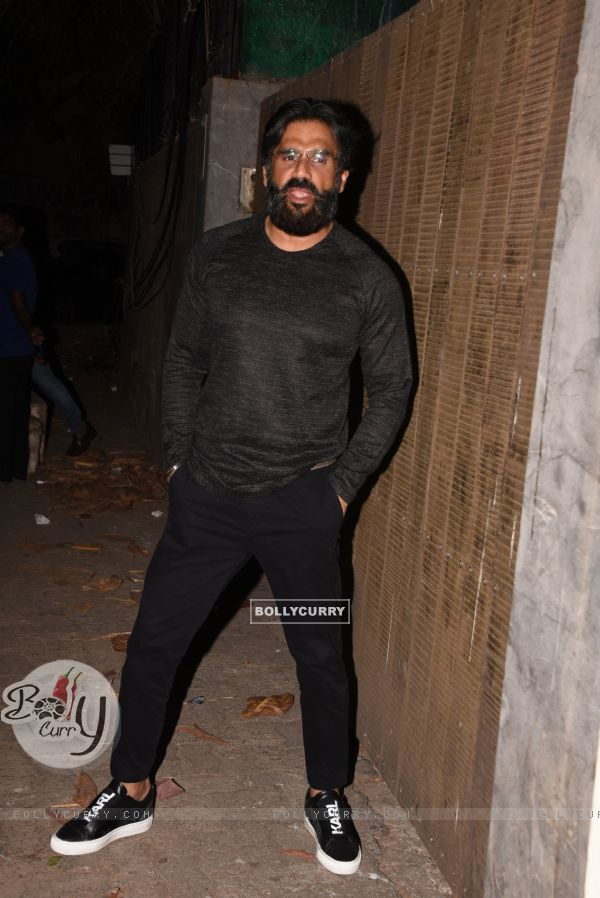 Suniel Shetty spotted at Thackeray movie screening (443670)