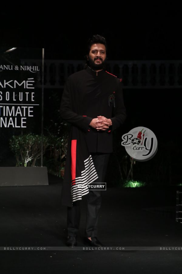 Riteish Deshmukh snapped at Lakme Fashion Week