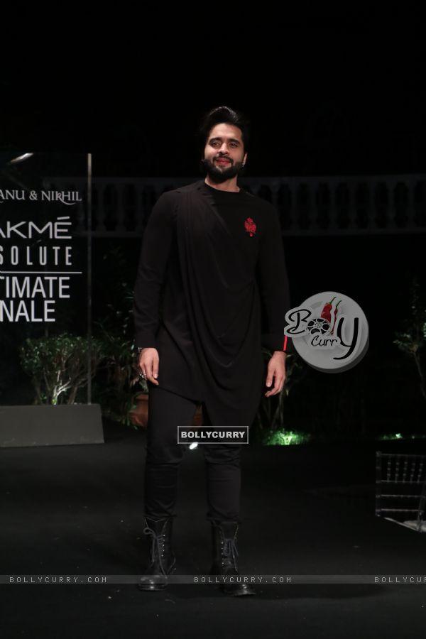 Jackky Bhagnani snapped at Lakme Fashion Week