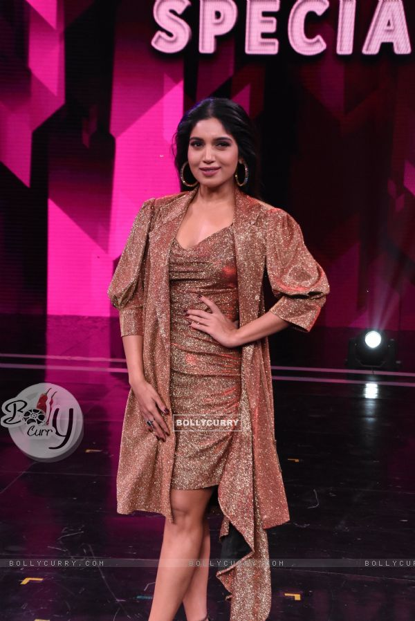 Bhumi Pednekar visit the sets of Super Dancer 3!