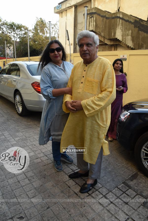 Shabana Azmi and Javed Akhtar at Sonchiriya special screening (445343)