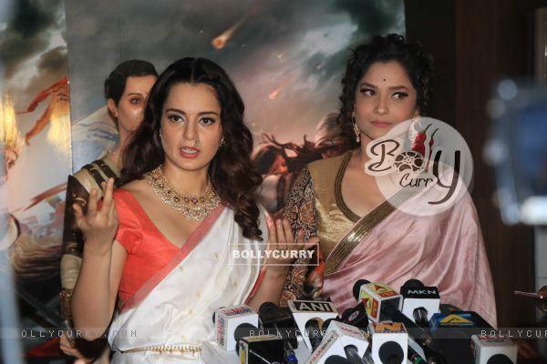 Kangana and Ankita at Manikarnika Success bash! (445388)