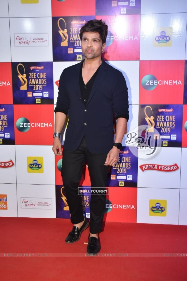Himesh Reshammiya at Zee Cine Awards!