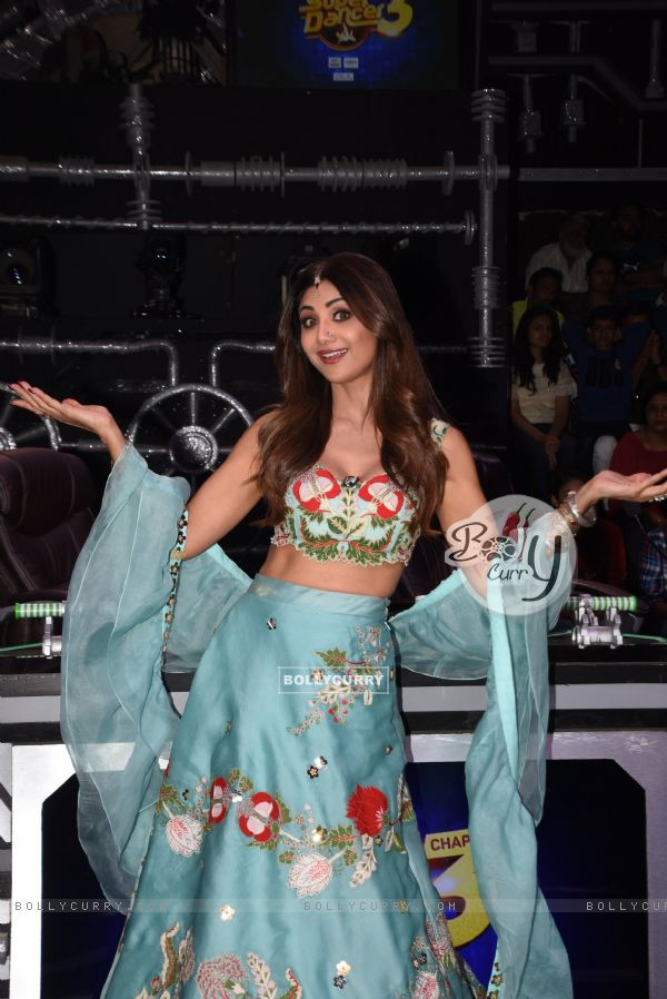 Shilpa Shetty on the sets of Super Dancer 3!