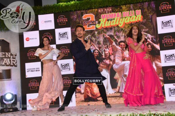 Ananya-Tiger-Tara shake a leg at the song launch of Mumbai Dilli Di Kudiyaan!