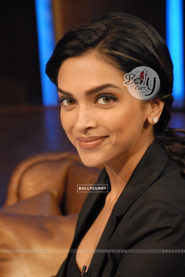 Deepika Padukone in tv show Lift Kara De