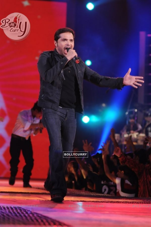 Himesh rock the floor
