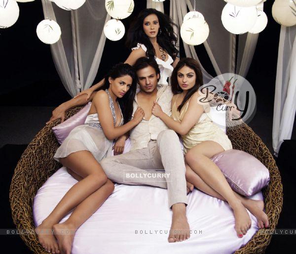 Vivek Oberoi with Aruna,Nandana and Neeru (57122)