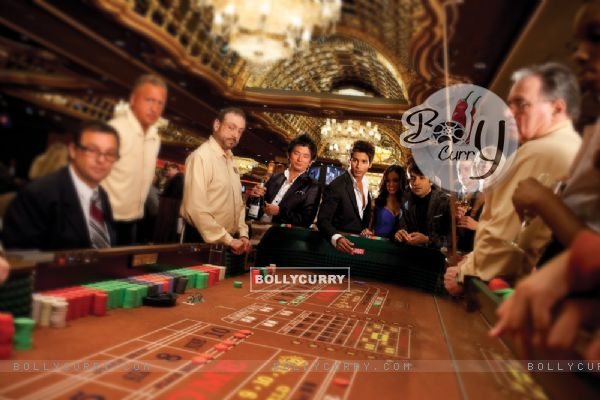 Shahid Kapoor playing in casino (59825)