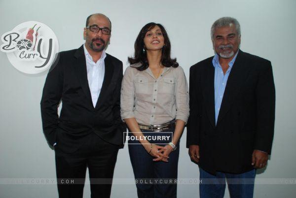 "Esha Koppikar at ""De Dhana Dhan"" press meet"