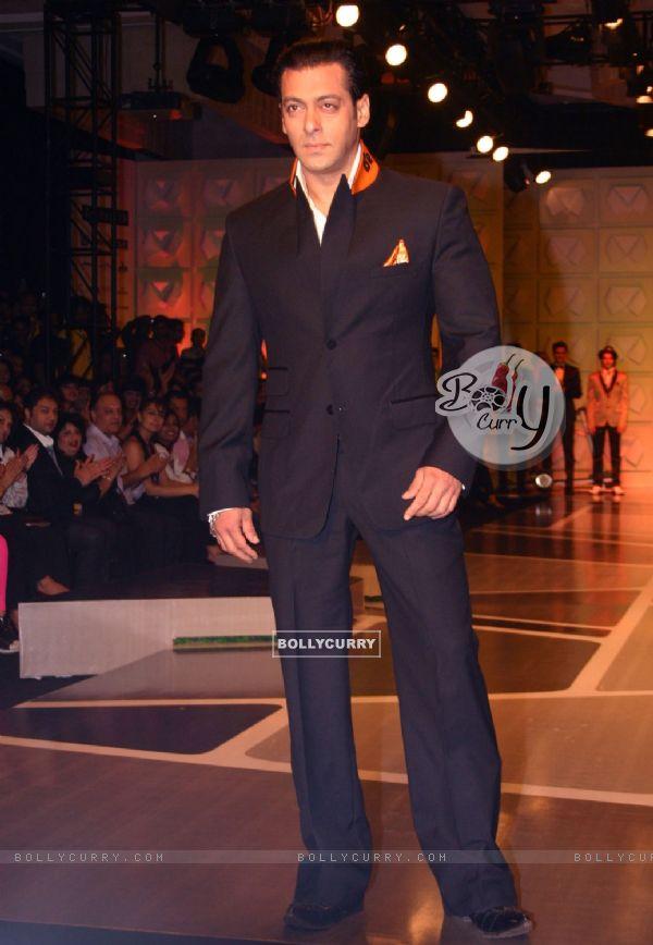 Bollywood Actor Salman Khan at the designer Ashish Soni show at the ...