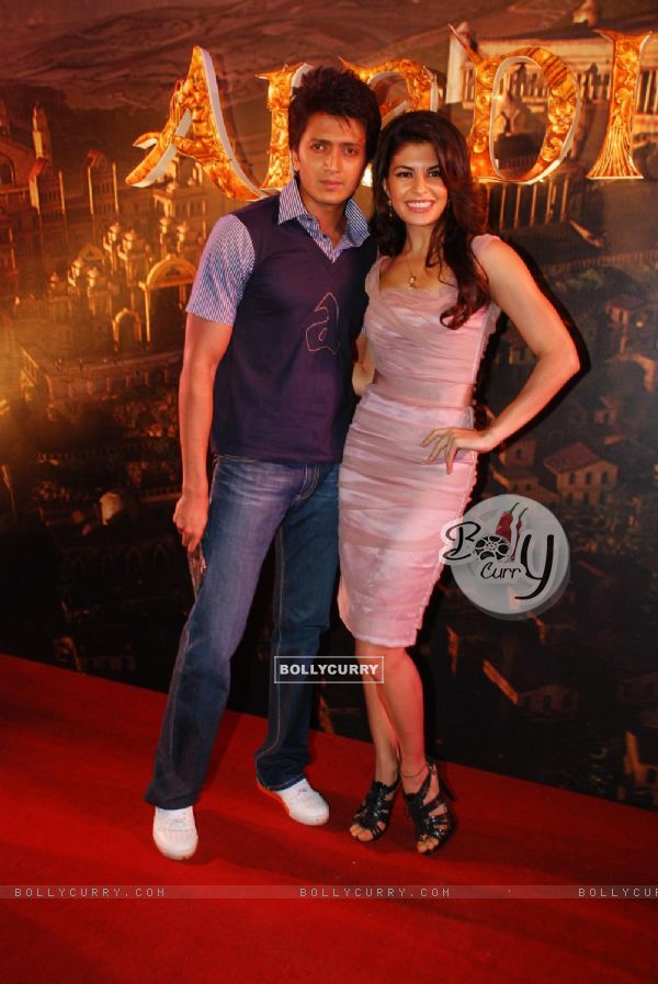 """Bollywood actor Riteish Deshmukh and newcomer Jacqueline Fernandez at the music launch of a new film """"Alladin"""" (80556)"""