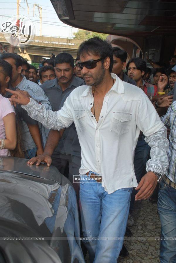 """Ajay Devgan opens """"London Dreams"""" Advance Booking Gaiety, Bandra, Mumbai (81564)"""