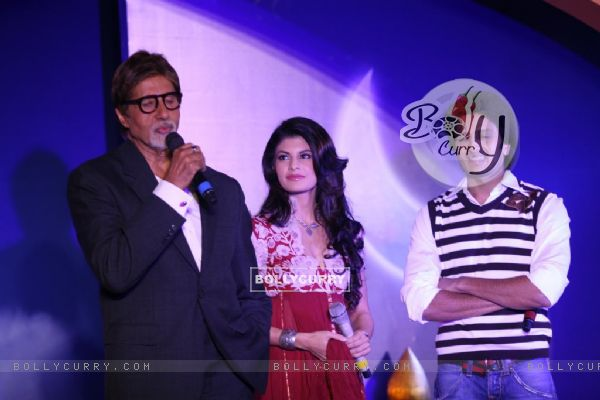Amitabh Bachchan, Ritesh Deshmukh & Jacqeline Fernandes met the Aladin-Godrej Contest winners at a gala event held in Mumbai (81649)