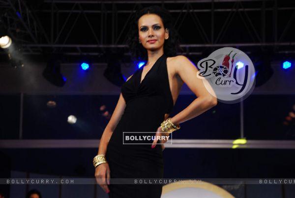 Top models at Achala Sachdev''s Uzuri Jewels launch in Hyatt Regency
