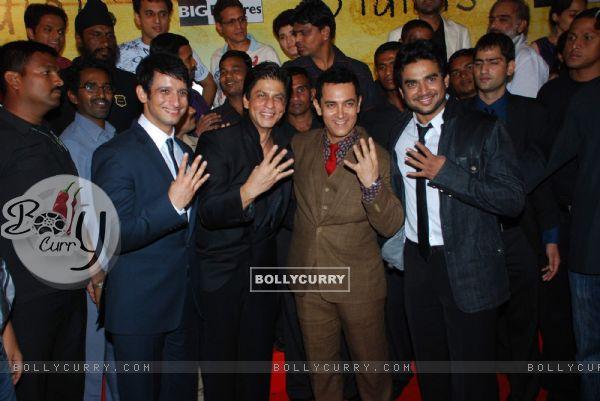 Sharman Joshi, Shahrukh Khan, Aamir Khan and Madhwan at 3 Idiots Press Meet at IMAX Wadala