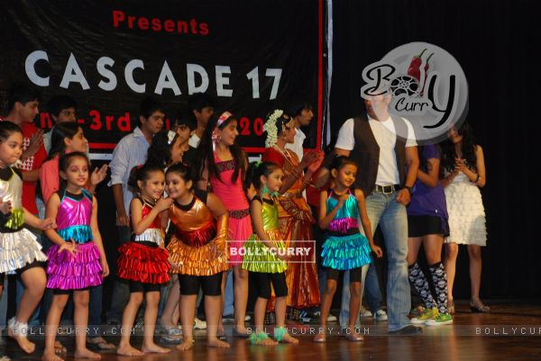 "Salman Khan promotes ""Veer"" at Jamnabai School Cascade festival (83559)"
