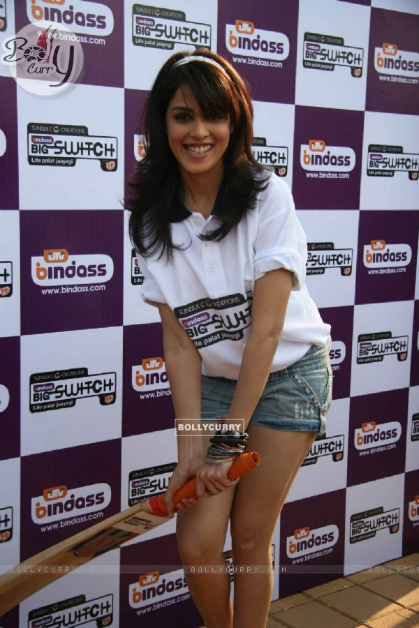 ... Genelia D''Souza at UTV Bindass Big Switch promotional event 254/300