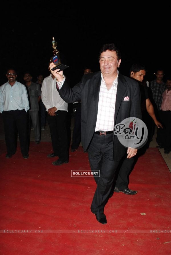 Rishi Kapoor at Star Screen Awards red carpet