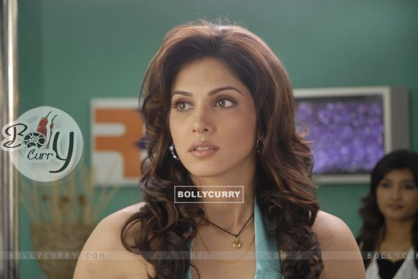 Still image of Isha Koppikar (92493)