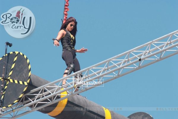 Priyanka performing difficult task