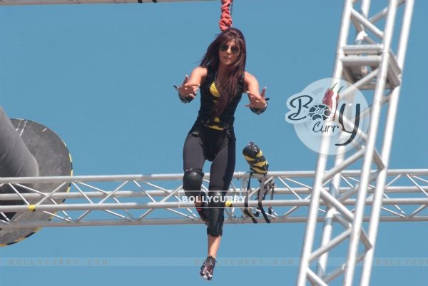 Priyanka Stunts in Fear Factor - Khatron Ke Khiladi x 3