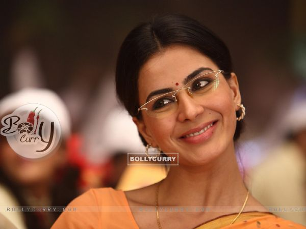 Kirti Kulhari in the movie Khichdi - The Movie