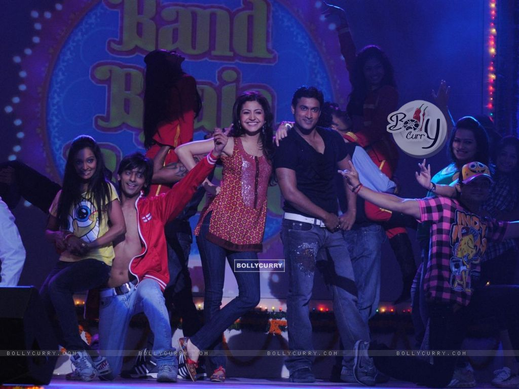 Anushka Sharma perfomance at Band Baaja Barat promotional musical
