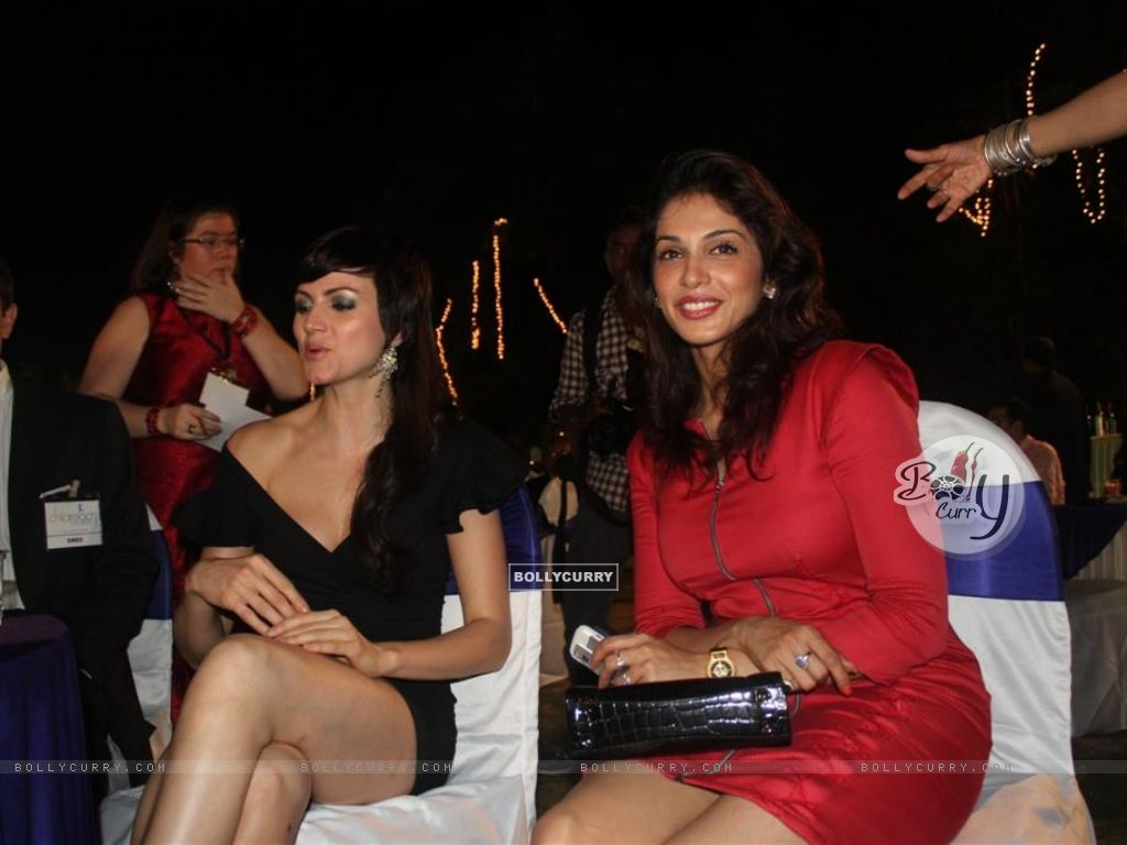 Isha Koppikar and Yana Gupta at Child Reach NGO Event (108298) size:1024x768