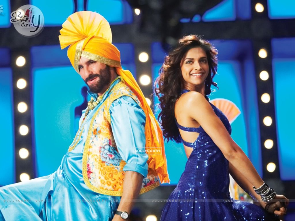 Deepika Padukone and Saif doing a punjabi dance (11018) size:1024x768