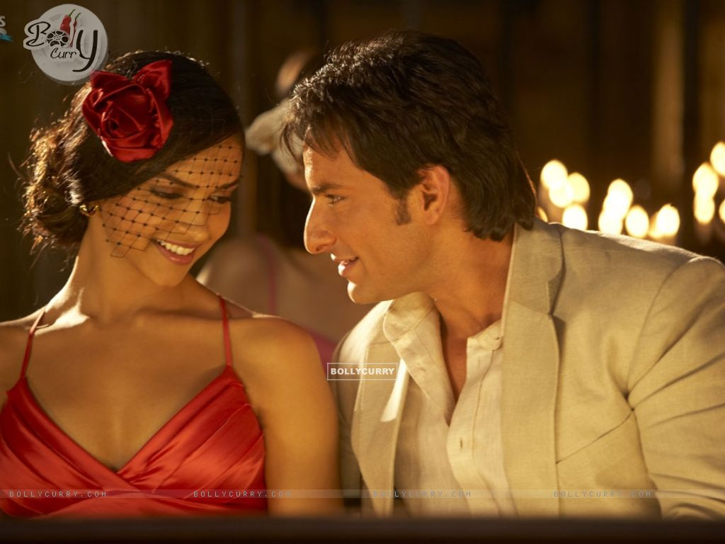 Romantic Scene of Deepika and Saif Ali Khan (11034) size:1024x768