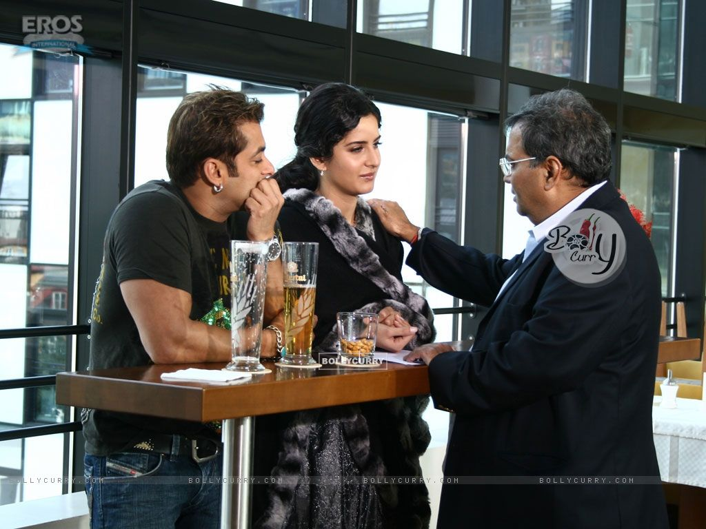 Salman and Katrina listening to Subhash Ghai (12319) size:1024x768