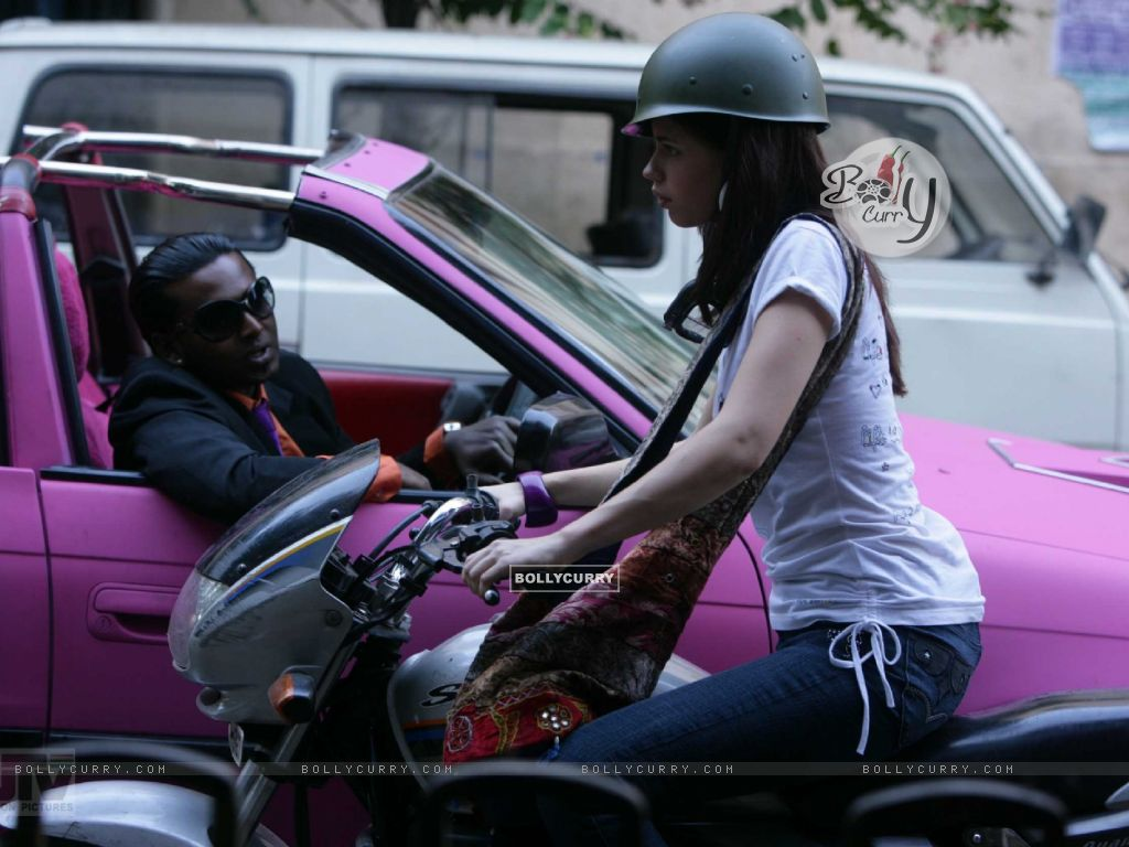Kalki Koechlin riding a motorcycle (12452) size:1024x768