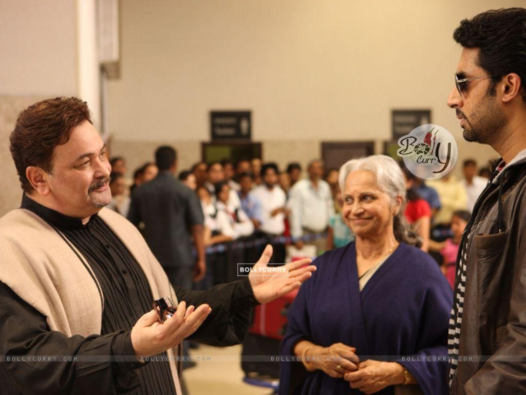 Rishi Kapoor,Waheeda Rahman and Abhishek Bachchan talking to each other (12577) size:1024x768