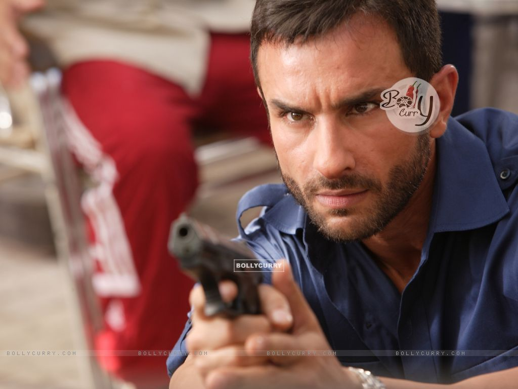 Saif Ali Khan as Vinod in the movie Agent Vinod (181821) size:1024x768