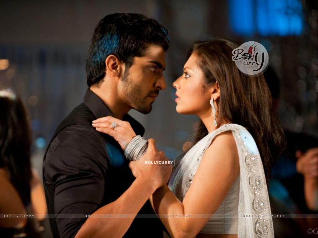 size image of celebrities Gurmeet Choudhary and Drashti DhamiGurmeet Choudhary And Drashti Dhami