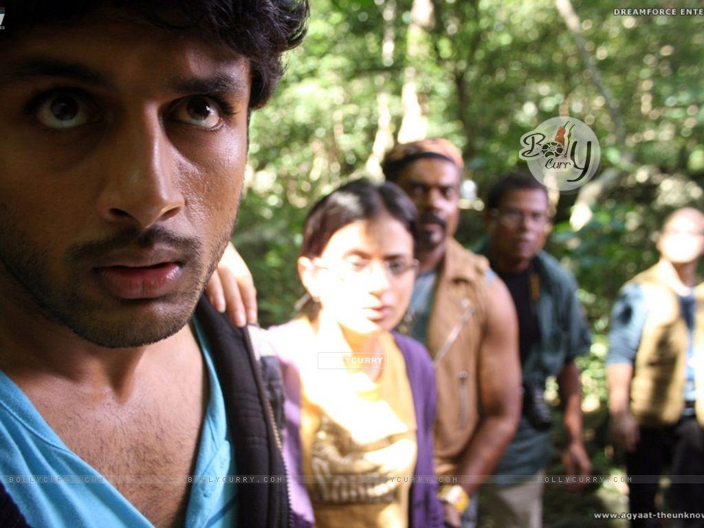 Nitin,Rasika,Kali and Ravi looking shocked (20384) size:1024x768
