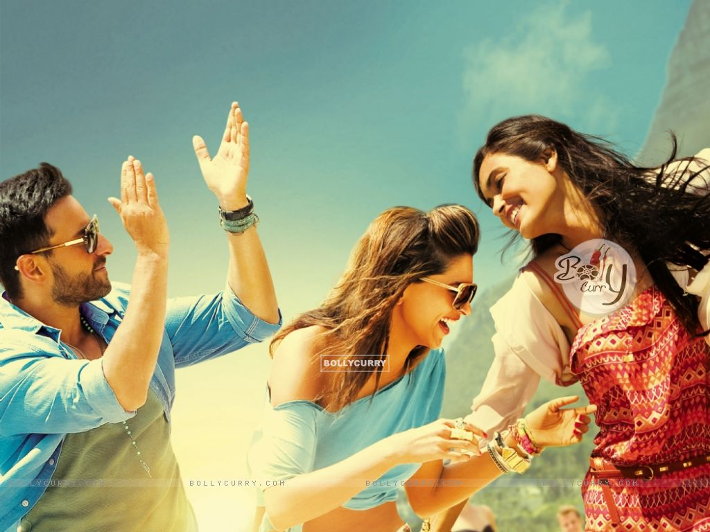 Saif Ali Khan, Deepika Padukone and Diana Penty in Cocktail (204080